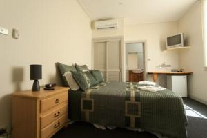Tommys Tavern  - Accommodation QLD