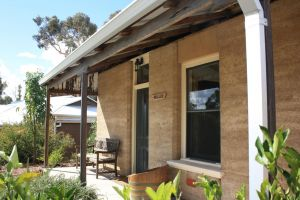 Hotham Ridge Winery and Cottages - Accommodation QLD